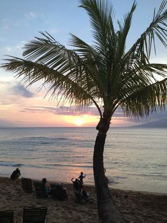 The Mauian Hotel on Napili Beach: sunset