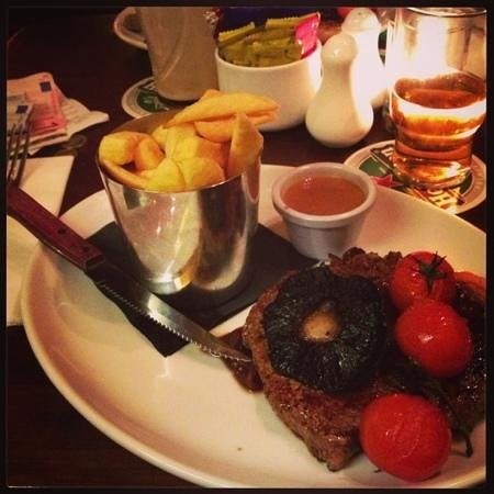 The Spanish Arch Hotel: Steak