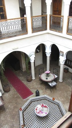 Riad Alwachma: View from our bedroom window into courtyard