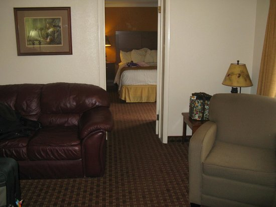 Best Western Twin Islands Cottage Living Room