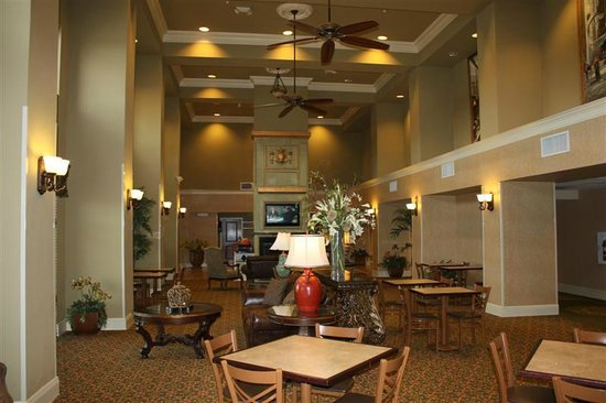 Hampton Inn & Suites Baton Rouge - I-10 East: Dining area