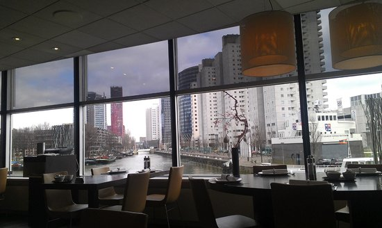 Inntel Hotels Rotterdam Centre: The Hotel Restaurant/Breakfast area, on morning