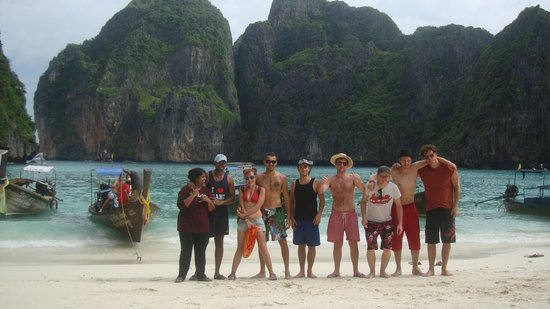 Maya Bay Sleep Aboard: group photo before we leave this heaven on earth!