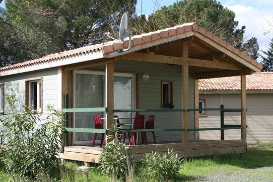 Camping municipal castelsec pezenas france lodge for Chambre d hotes pezenas