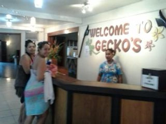 Gecko&#39;s Resort: Jean &amp; Naki at reception