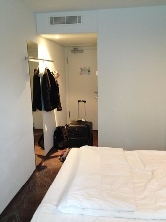 Motel One Berlin-Tiergarten : Room 107