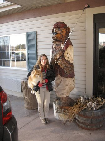 Stoney Creek Inn Galena: My Pom and I at the entrance of Stoney Creek