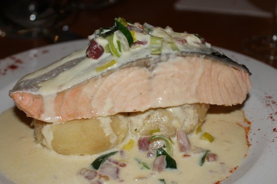 Station House Hotel Letterkenny: Salmon from Early menu, yum yum