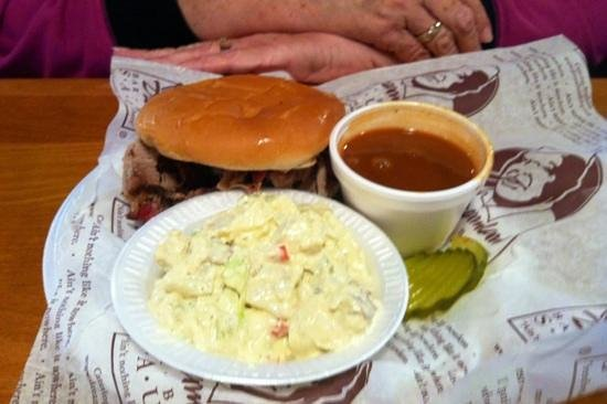 Northport, AL: small pork sandwich with sides