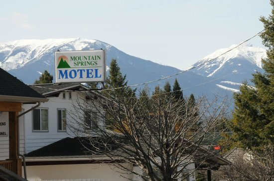 Photo of Mountain Springs Motel Radium Hot Springs