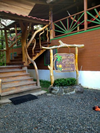 Cashew Hill Jungle Cottages: recreation area