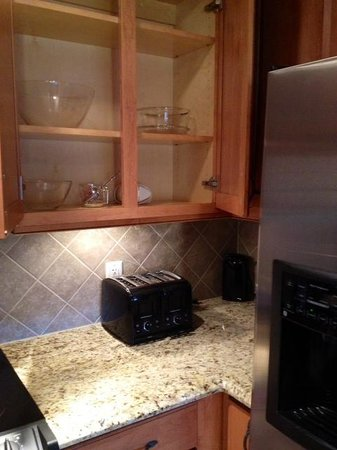The Residences at Biltmore: kitchen appliances