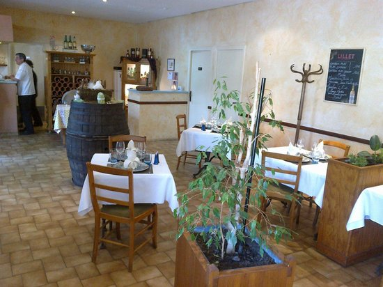 Chauray, Francia: salle de restaurant