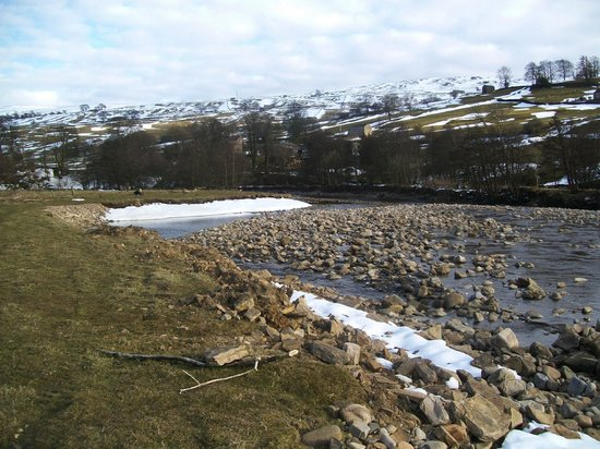 Rowleth End: The River Swale - literally just outside!