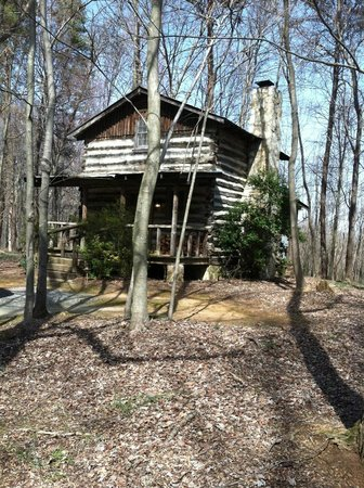 Pilot Knob Inn: Cabin 4
