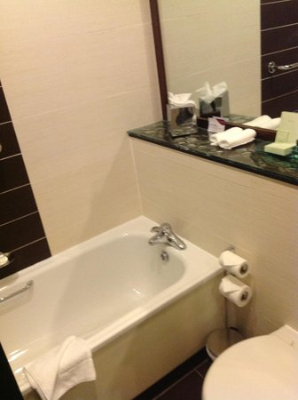 Crowne Plaza Hotel Dublin-Northwood: Bathroom