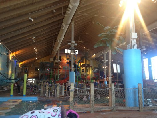 CoCo Key Water Resort Hotel & Convention Center - Waterbury: Inside!