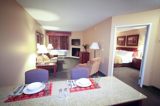Photo of Crossings by GrandStay Inn & Suites Perham