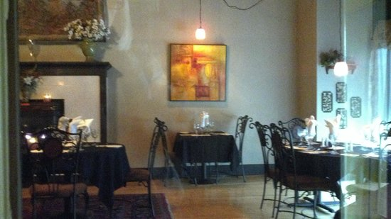 Baldwinsville, NY: Main Dining Room at the Mohegan Manor