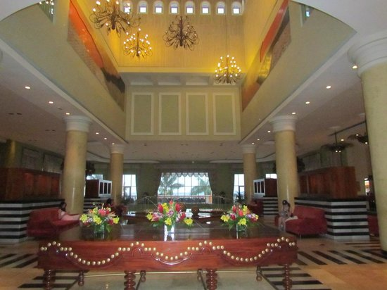 Iberostar Rose Hall Suites: Hotel Lobby