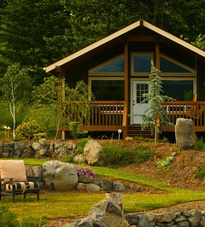 Carson, WA: Romantic & Private Cabins in the Columbia River Gorge!