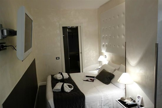 Pantheon Royal Suite: Vue ct chambre
