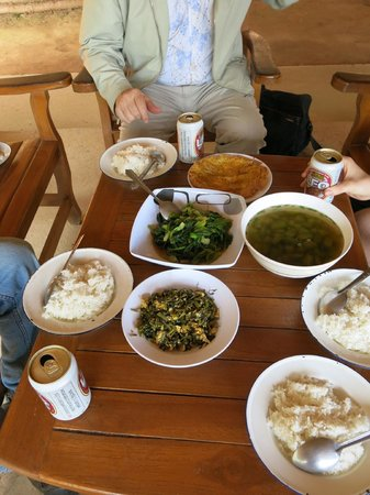 Chiang Rai Province, Tailandia: Delicious Akha meal! The white pumpkin soup was the best!