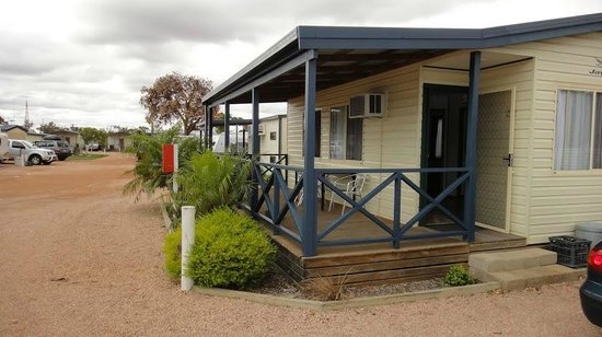 Ceduna, Australia: Outside view of 2br ensuite cabin
