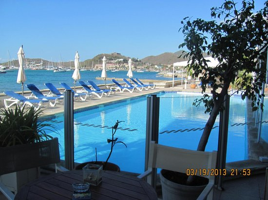 Hotel Beach Plaza: la piscine