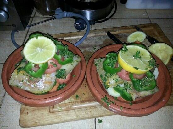 Riad Shaloma: cooking lessons in the kitchen on how to prepare fish tangine