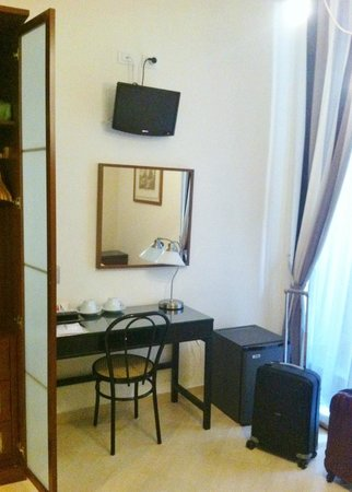 Jolie B&amp;B Roma : Habitacin &quot;C&quot; / Room C 