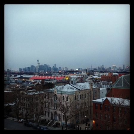 BEST WESTERN Plus Prospect Park Hotel: View of City from 8th Floor Hotel Room