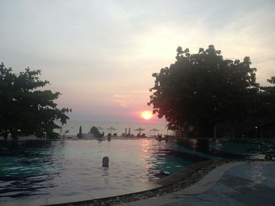 Long Beach Resort Phu Quoc: beautiful sunset