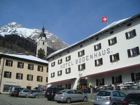 Splugen, Szwajcaria: Front of Hotel