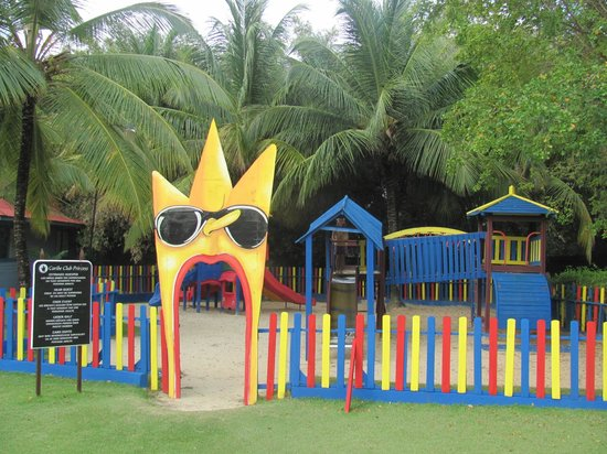 Tropical Princess Beach Resort & Spa: Kids play area