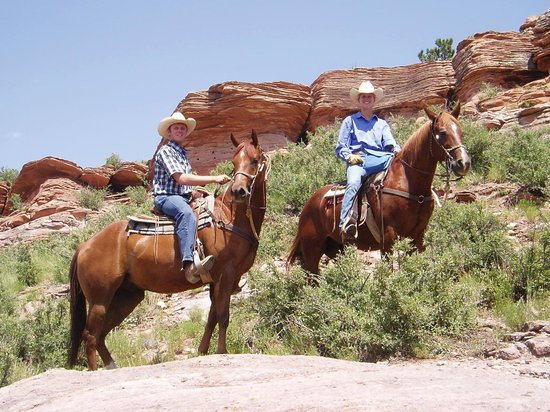 Sylvan Dale Guest Ranch: Scenic Trail Ride