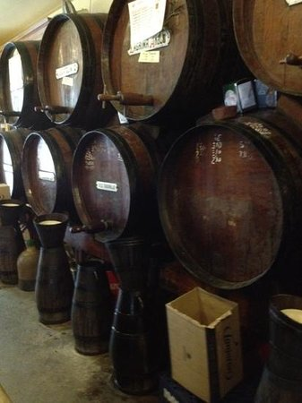 Bodega Antigua Casa de Guardia: drinks straight from the barrel