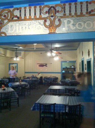 Alachua, FL: view of one of the several dining rooms.