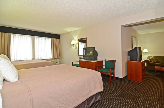 Mauston, WI: Guest Room