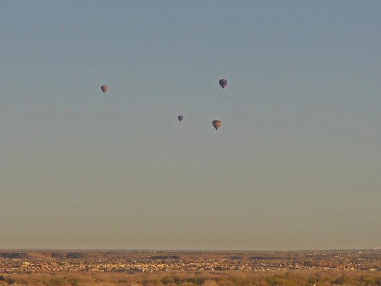 Hotel Albuquerque at Old Town: Weekend Hot Air Balloons from Even-Numbered Room