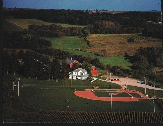 Holiday Inn Dubuque : Field of Dreams - Movie Site