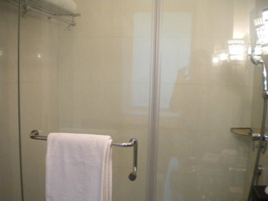 The Claridges: Shower