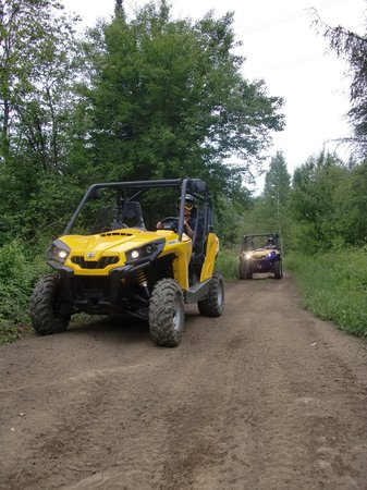 Saint-Adolphe-d'Howard, Canada: Raid et location en can am commander