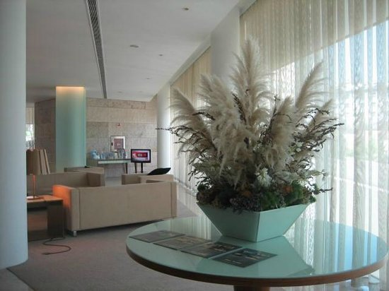 Santa Maria Hotel -- Fatima: comfortable lobby