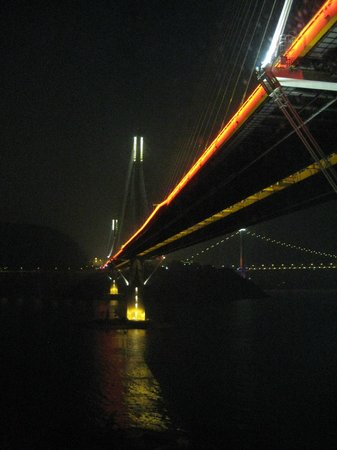 Royal View Hotel: View of Ting Kau Bridge from Hotel Room.  (Night view)