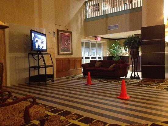 Hampton Inn and Suites Lake City: work being done in lobby, plenty of notice this was occurring during our stay