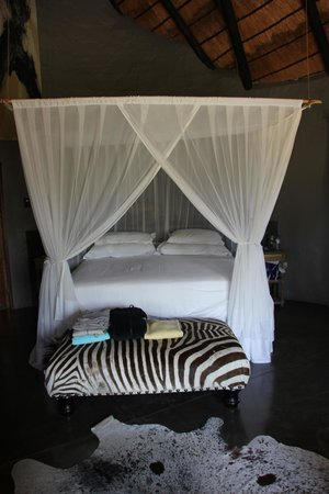 Motswari Private Game Reserve: Our wonderful bed