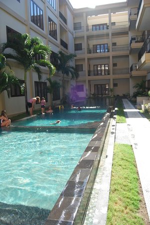 Kuta Town House Apartments: lap pool outside our room