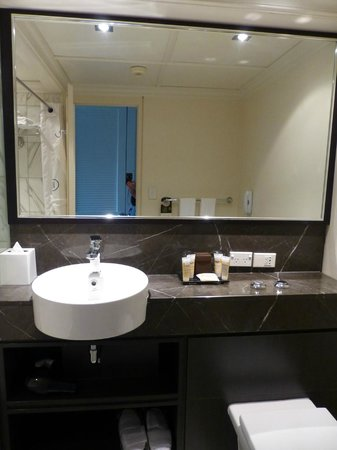 Pullman Auckland: Bathroom