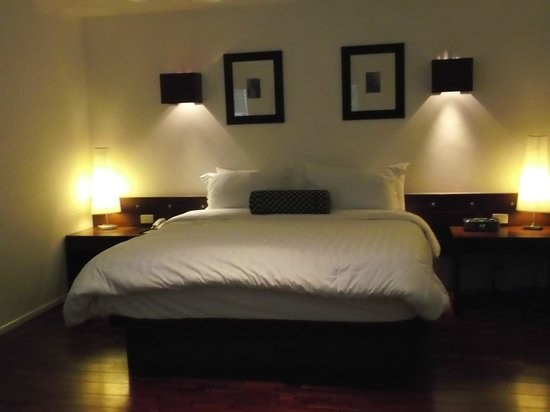 Triple Two Silom: bed area